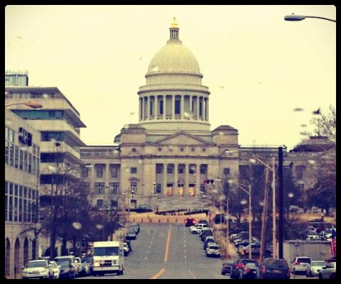 Capitol LR